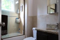 Fuenzalida-Guest-Bath1