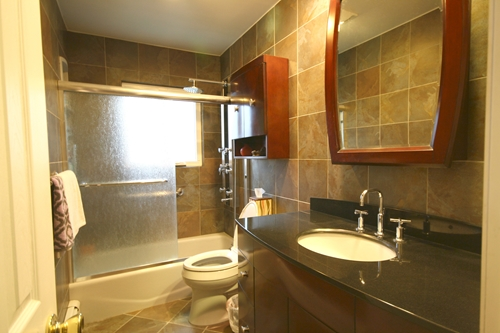 3 characteristics of a speedy bathroom remodel for Bathroom remodel in 3 days